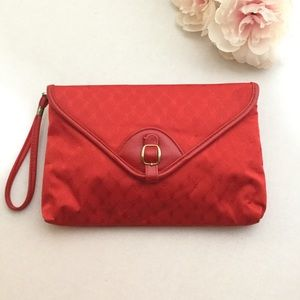 Red vintage large clutch wristlet with wrist strap